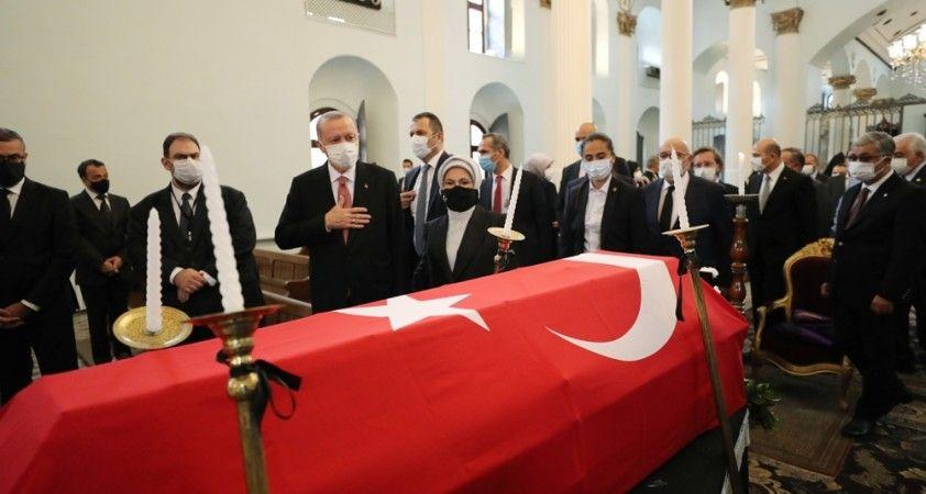 AK Parti İstanbul Milletvekili Markar Esayan son yolculuğuna uğurlandı