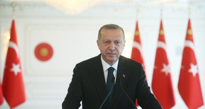 Cumhurbaşkanı Erdoğan, Bakan Akar'dan düşen helikopter hakkında bilgi aldı