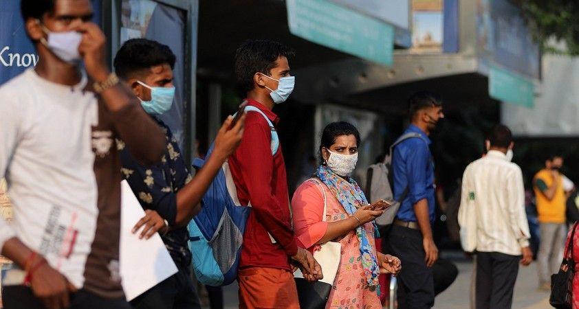 Kovid-19 nedeniyle son 24 saatte Hindistan'da 1039, Brezilya'da 335 kişi öldü