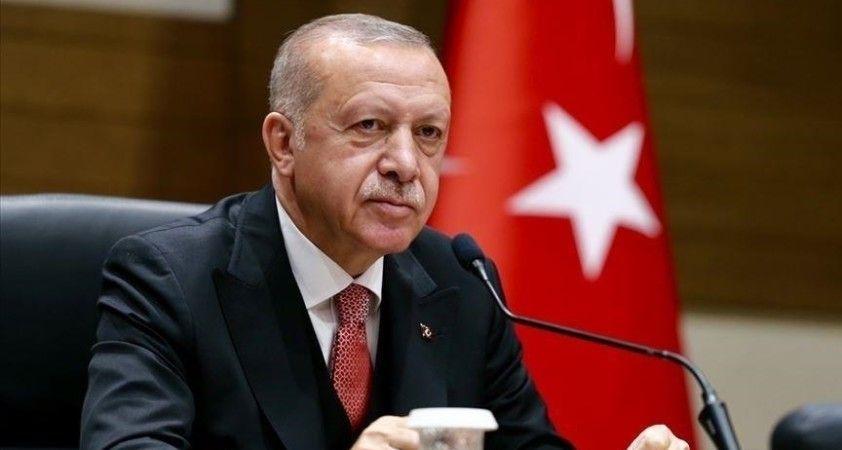 Cumhurbaşkanı Erdoğan'dan Galatasaray Kulübü Başkanı Elmas'a tebrik telefonu