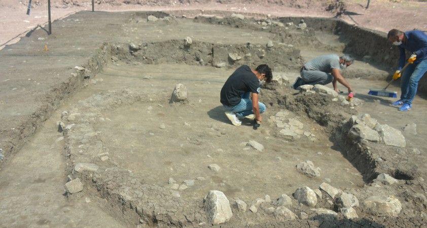 9 bin yıllık alanda yapılan kazıda bir insan iskeleti bulundu