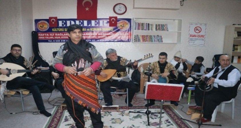 Kurtuluş coşkusunu müzikal gösteriyle kutladılar