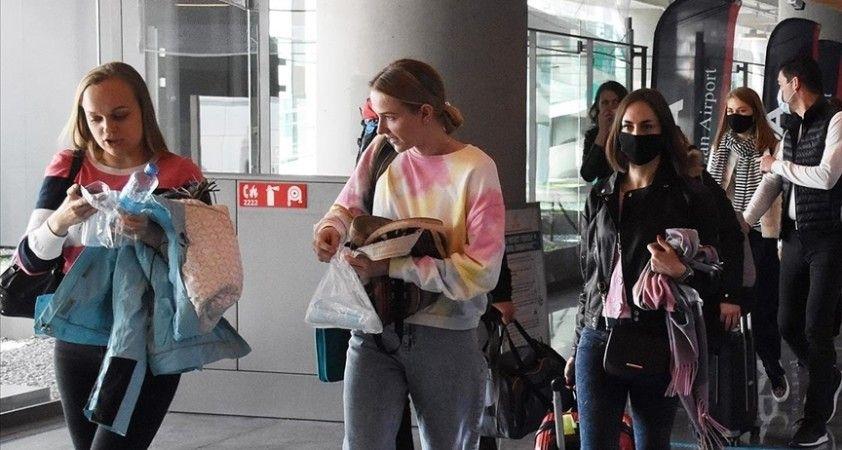 Türkiye'yi otel karantinası listesinden çıkaran İngiltere'den 3 ayda 200 bin turist bekleniyor