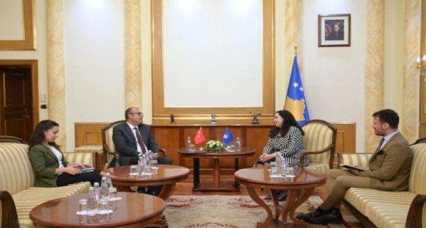Kosova Büyükelçisi Sakar, Kosova'nın yeni Meclis Başkanı'nı ziyaret etti