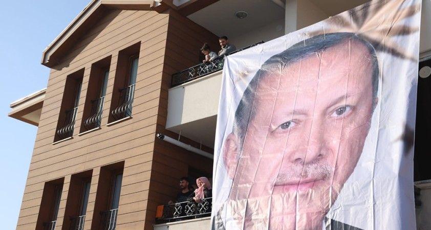 Cumhurbaşkanı Erdoğan Elazığ'a geldi, deprem konutlarını teslim törenine katılması bekleniyor