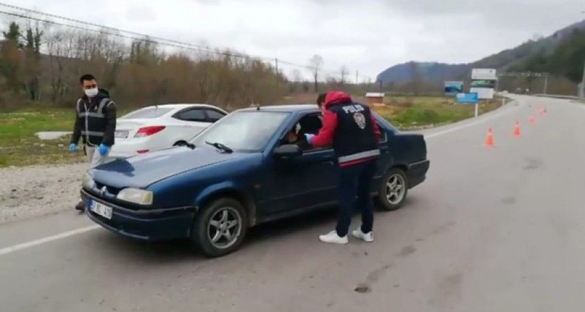 Sinop'ta ateş ölçerli trafik kontrolü
