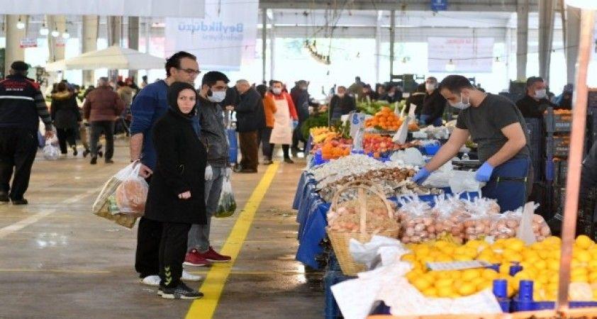 Beylikdüzü'nde pazarda sadece gıda satışı olacak