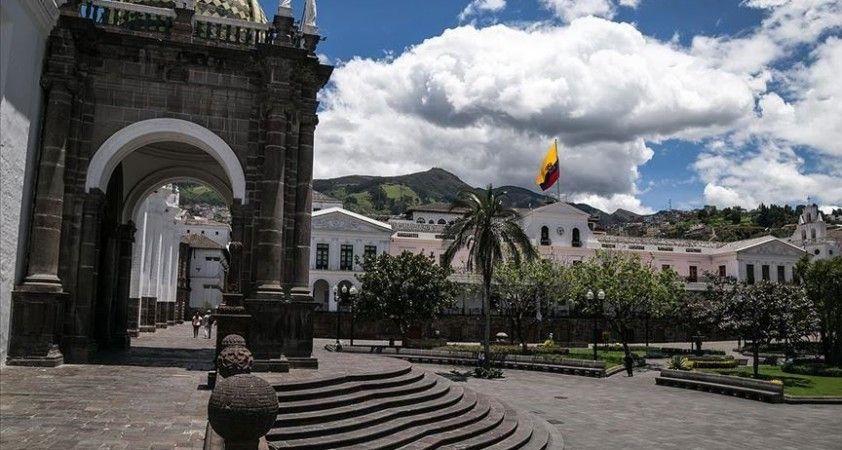 Eski Ekvador Devlet Başkanı Bucaram gözaltına alındı