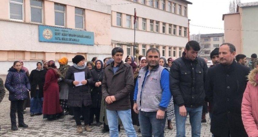 Kars'ta yıkılma kararı çıkarılan okullardaki öğrencilerin aileleri kararsız
