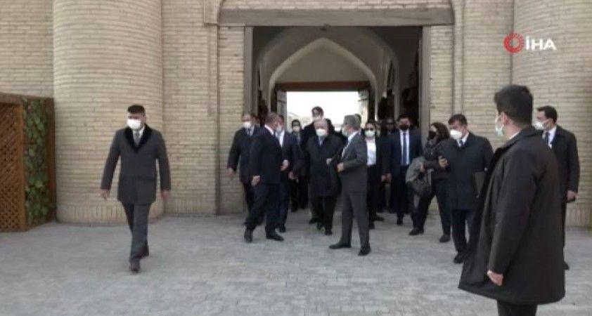 Bakan Çavuşoğlu, Özbekistan'ın tarihi Hive kentini ziyaret etti