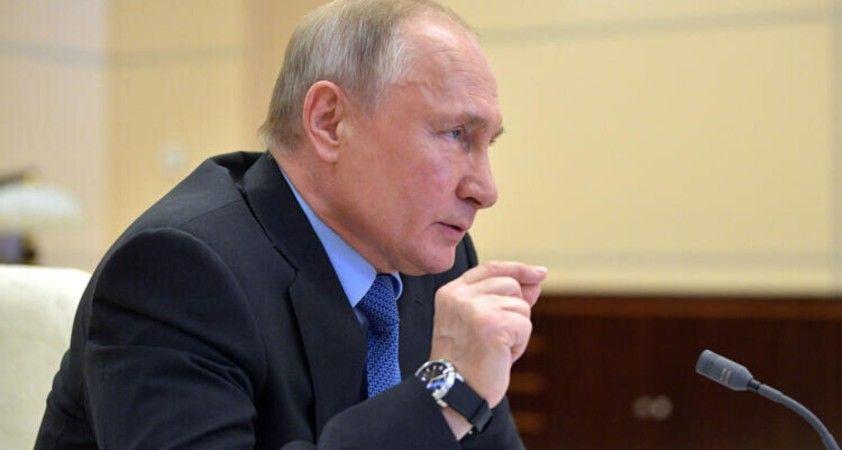 Putin: Torunlarım Kremlin'deki ofisimi doğrudan arayabiliyor