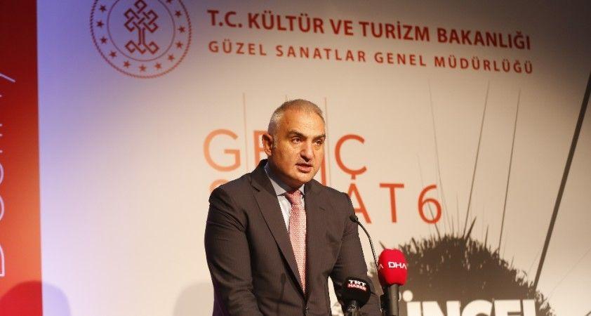 """Bakan Ersoy: """"Kültür sanatı tekrar harekete geçirmek zorundayız"""""""