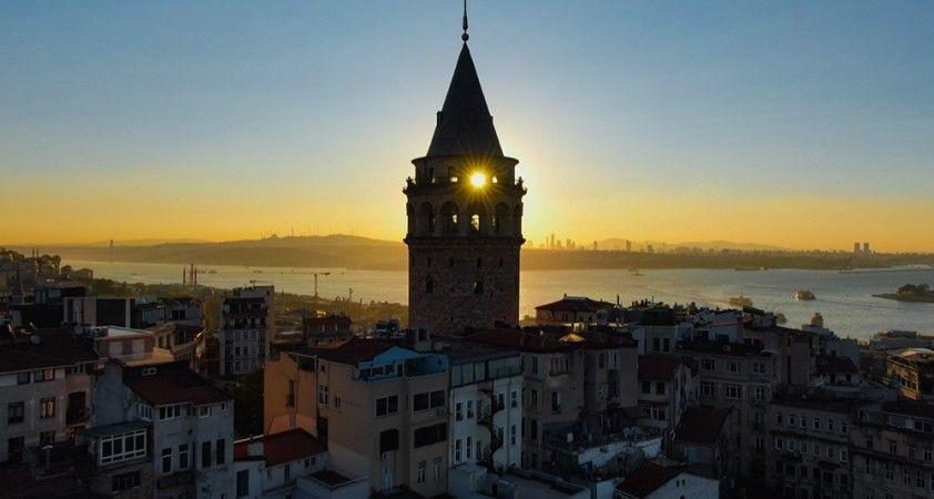 Restore edilen Galata Kulesi'nde eşsiz gün doğumu