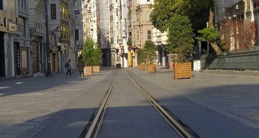 Kısıtlamanın sabahında İstanbul sessizliğe büründü