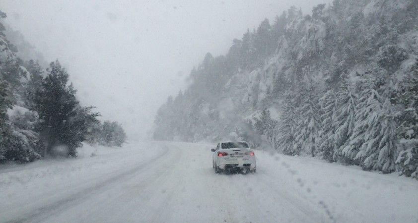 Antalya'da kar yağışı