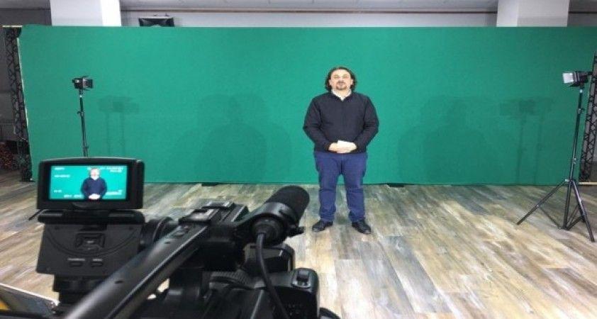İzmit'in tiyatro dünyası 'Gülümse TV'de buluştu