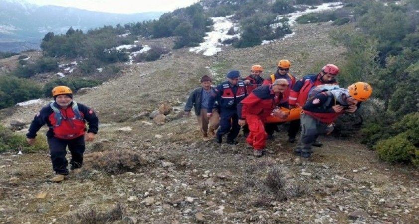 Yamaçtan düşen avcı, nefes kesen operasyonla kurtarıldı
