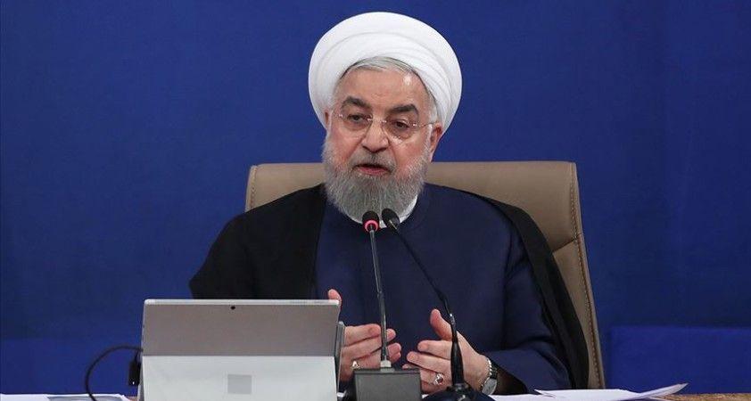 İran Cumhurbaşkanı Ruhani: Fransa ve Avrupa Müslümanların iç işlerine müdahale etmekten vazgeçsin