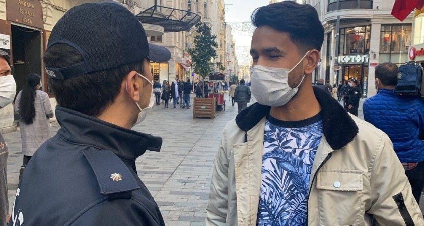 """Taksim'de """"sigara yasağı"""" denetimde ilginç anlar: """"İçmiyordum kokusunu alıyordum"""""""