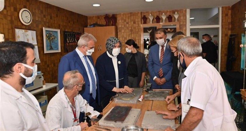 Vali Karaloğlu, eşi ile birlikte  Olgunlaşma Enstitüsüne ziyarette bulundu