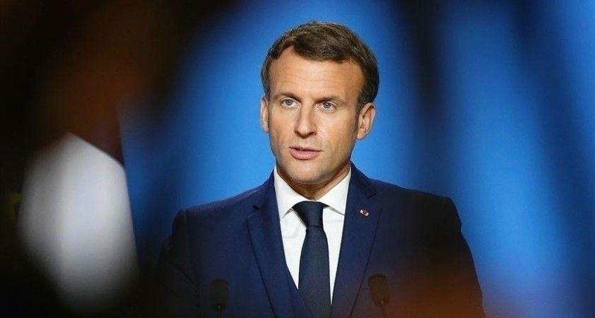 Afrikalı gençler, Afrika-Fransa zirvesinde Macron'a taleplerini sıraladı