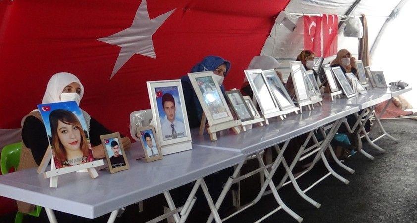 HDP önündeki ailelerin evlat nöbeti 392'inci gününde