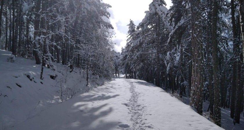 Kartpostallık görüntüler ortaya çıkan kar altındaki Kızılcahamam drone ile görüntülendi