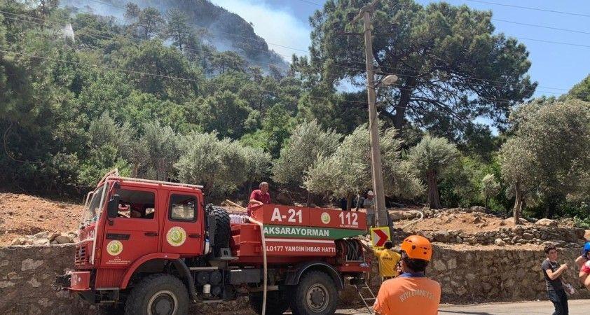 Ulaştırma ve Altyapı Bakanlığı'na bağlı yüzlerce ekip yangına karşı mücadele veriyor