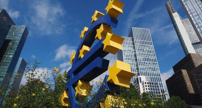 Almanya'da yatırımcı ve analistlerin ekonomiye güveni yükseldi