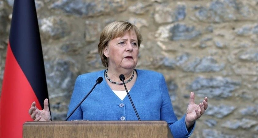 Almanya'da Başbakan Merkel'den yeni hükümet kurulana kadar görevde kalması istendi