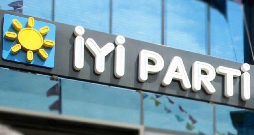Çorum İYİ Parti teşkilatında dört başkan yardımcısı istifa etti