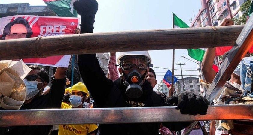 Myanmar'da darbe karşıtı gösterilerde çok sayıda kişi tutuklandı