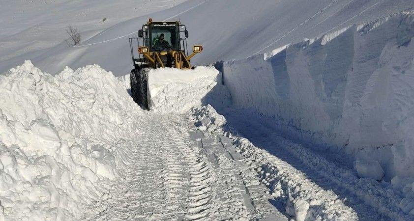 Büyükşehir'in karla mücadelesinde büyük başarı