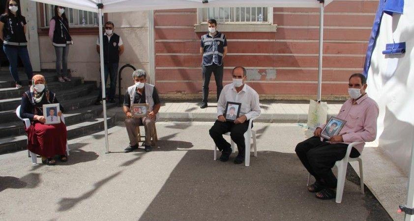 HDP önündeki ailelerin evlat nöbeti 288'inci gününde