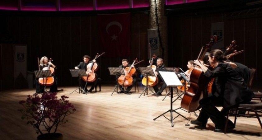 Bodrum'da 8 Viyolonsel Ve Klasik'ten Tango'ya beğeni topladı
