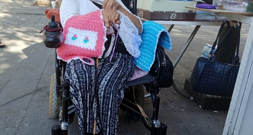 Engelli kadın azmiyle örnek oluyor