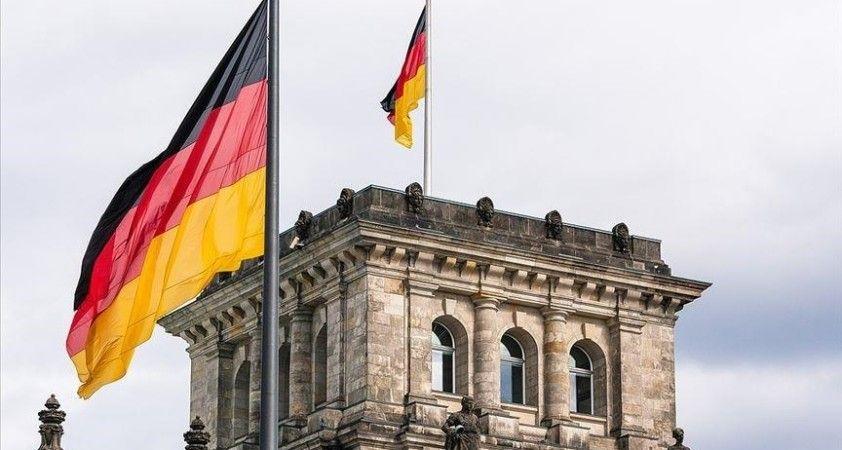 Almanya'da üç parti koalisyon müzakerelerine başlama konusunda uzlaşma sağladı