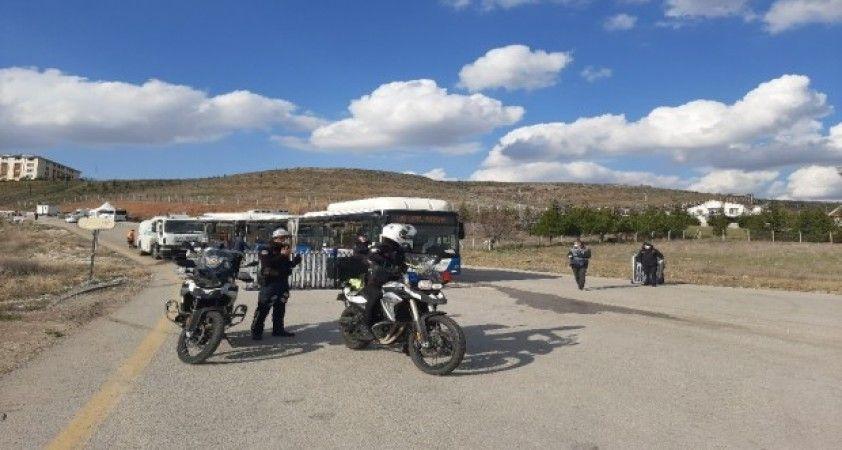 (Özel) Karantina altındaki umrecilerden Ankara'da ikamet edenlere tahliye