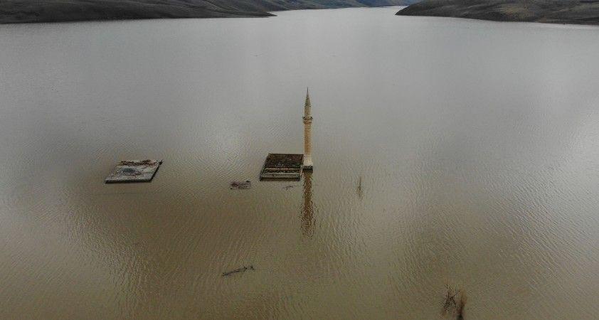 Köylerden geriye sadece cami minareleri kaldı