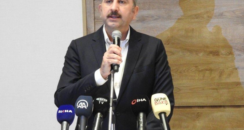 """Adalet Bakanı Abdülhamit Gül: """"Batının terörle mücadele anlayışı çifte standartlıdır"""""""