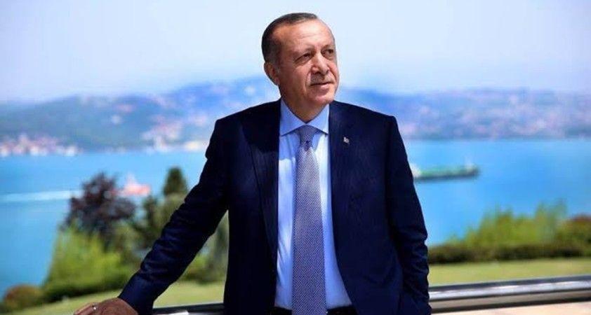 Cumhurbaşkanı Erdoğan, 120 yaşında korona virüsü yenen Menica nine ile görüştü