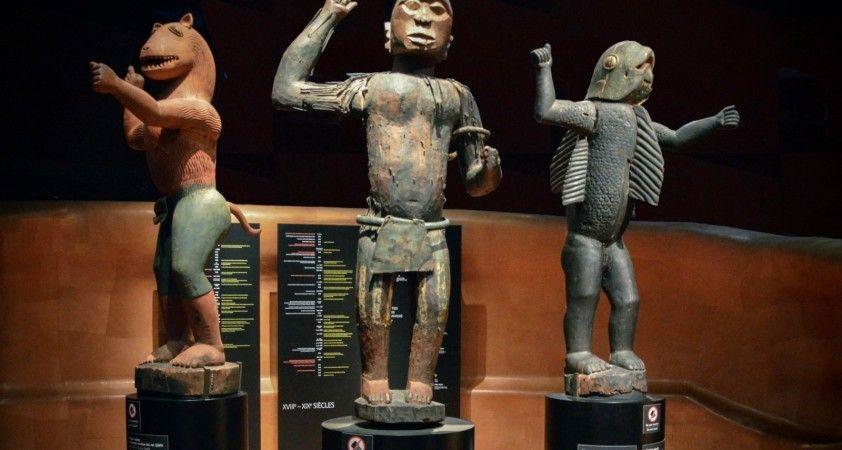 Fransa ve İngiltere, Afrika'dan yağmaladıkları sanat eserlerinden bazılarını iade etti