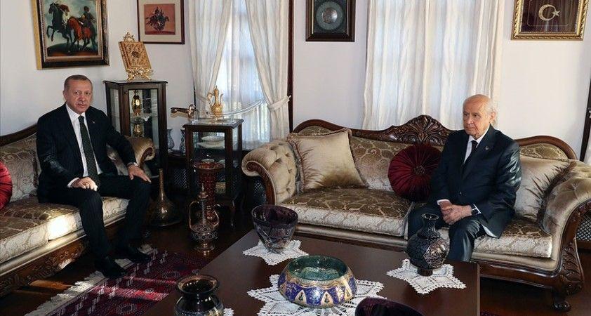 Cumhurbaşkanı Erdoğan MHP lideri Bahçeli'yi evinde ziyaret etti