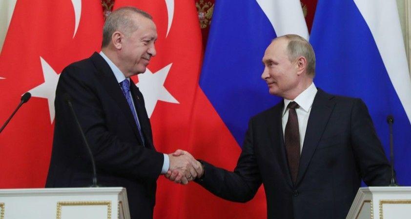 Rus uzman: Moskova ve Ankara imkansız gibi görünen konularda dahi anlaşmayı öğrendi
