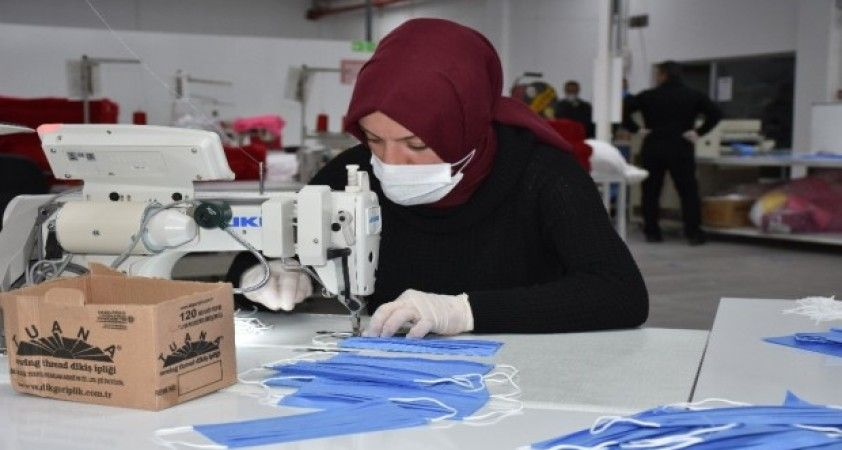 Amasya'da evde kalanlara maske