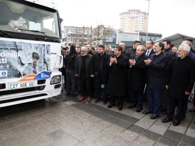 Sevgi tırı İdlip'e doğru yola çıktı